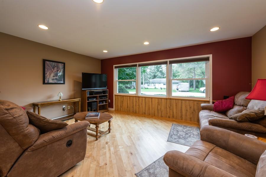 Real Estate Photography - 1818 Hazelwood Dr, Lindenhurst, IL, 60046 - Living Room