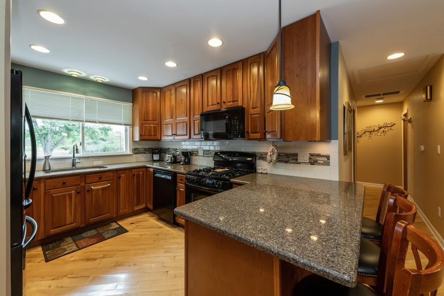 Real Estate Photography - 1818 Hazelwood Dr, Lindenhurst, IL, 60046 - Kitchen