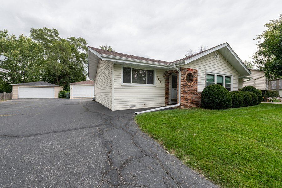 Real Estate Photography - 1818 Hazelwood Dr, Lindenhurst, IL, 60046 - Front View