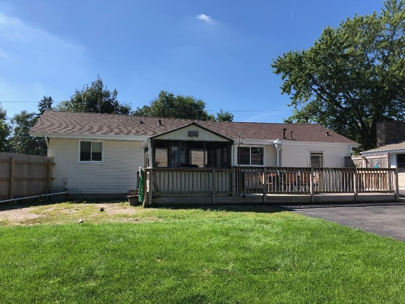 Real Estate Photography - 1818 Hazelwood Dr, Lindenhurst, IL, 60046 -