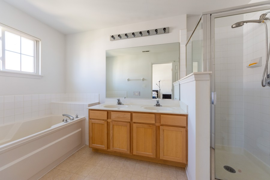 Real Estate Photography - 54 East Clare Ct, Palatine, IL, 60067 - Master Bathroom