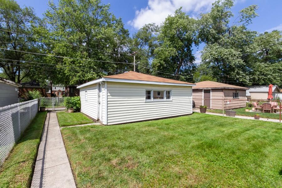 Real Estate Photography - 12536 South Elizabeth St, Calumet Park, IL, 60827 - Back Yard