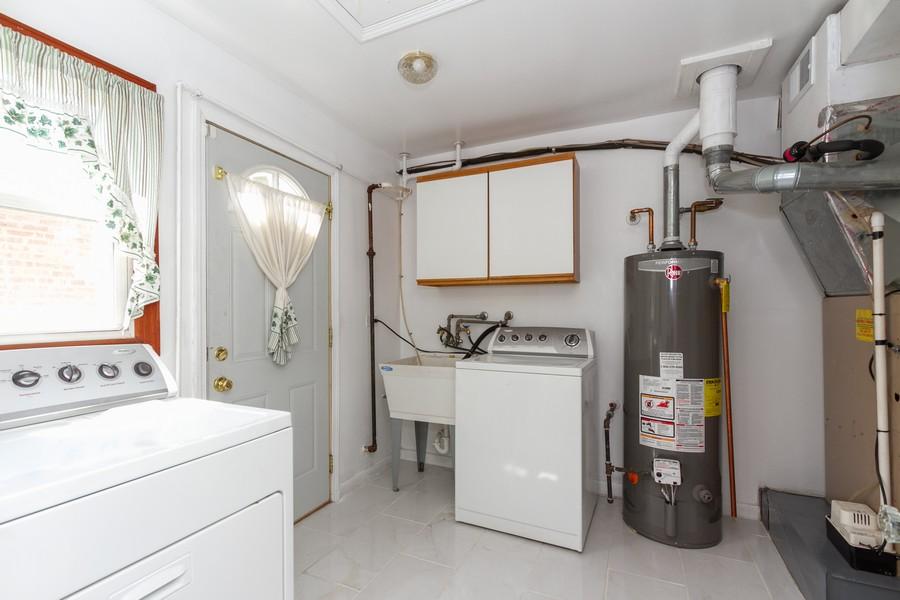 Real Estate Photography - 12536 South Elizabeth St, Calumet Park, IL, 60827 - Laundry Room