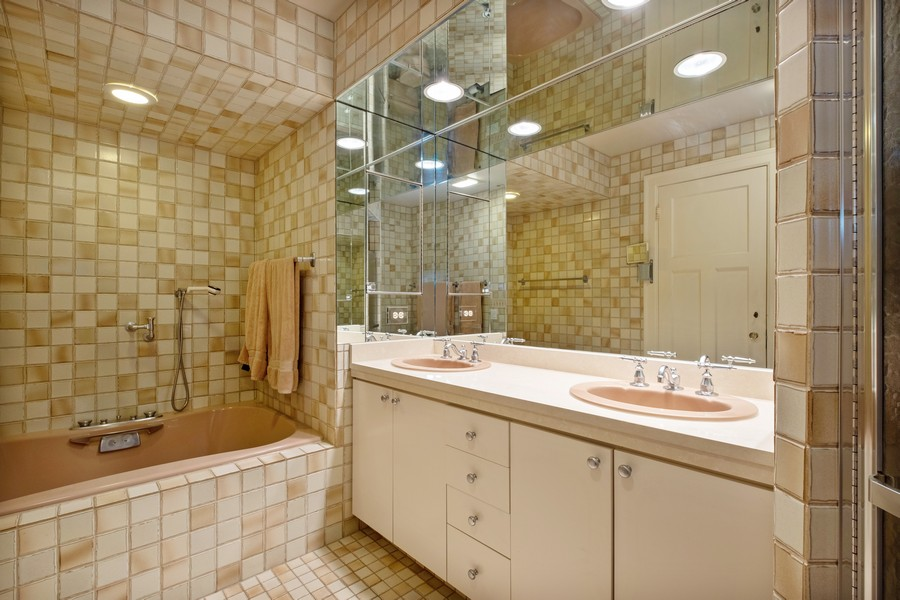 Real Estate Photography - 388 Beech St, Highland Park, IL, 60035 - Master Bathroom