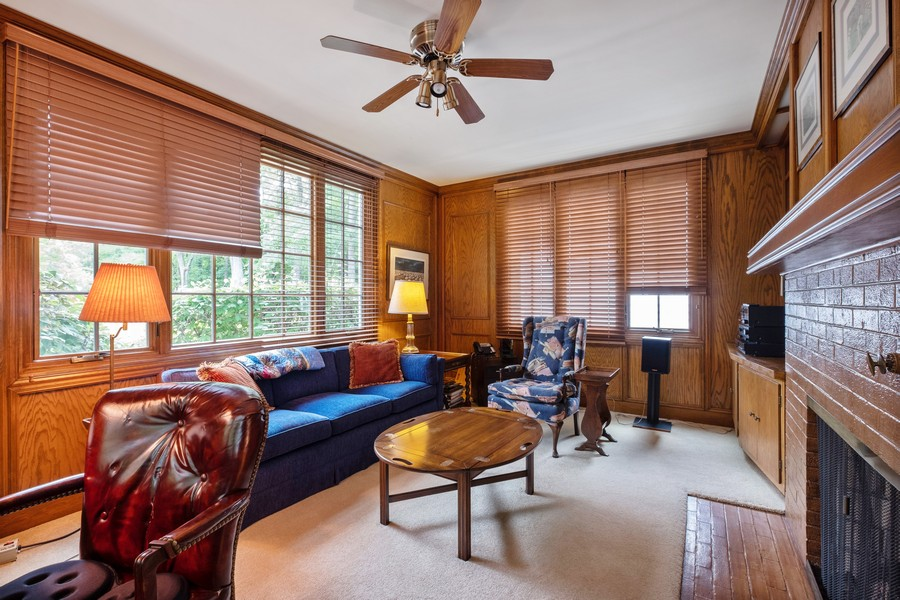 Real Estate Photography - 388 Beech St, Highland Park, IL, 60035 - Library