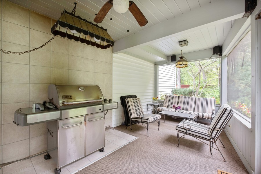 Real Estate Photography - 388 Beech St, Highland Park, IL, 60035 - Porch