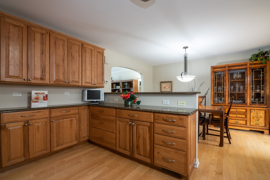 Real Estate Photography - 4065 Winston Dr, Hoffman Estates, IL, 60192 - Kitchen