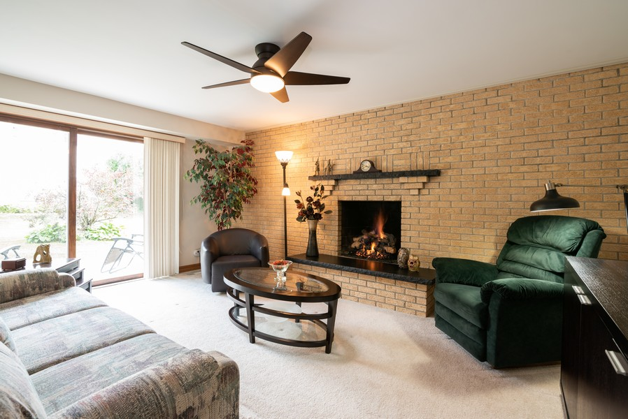 Real Estate Photography - 4065 Winston Dr, Hoffman Estates, IL, 60192 - Family Room