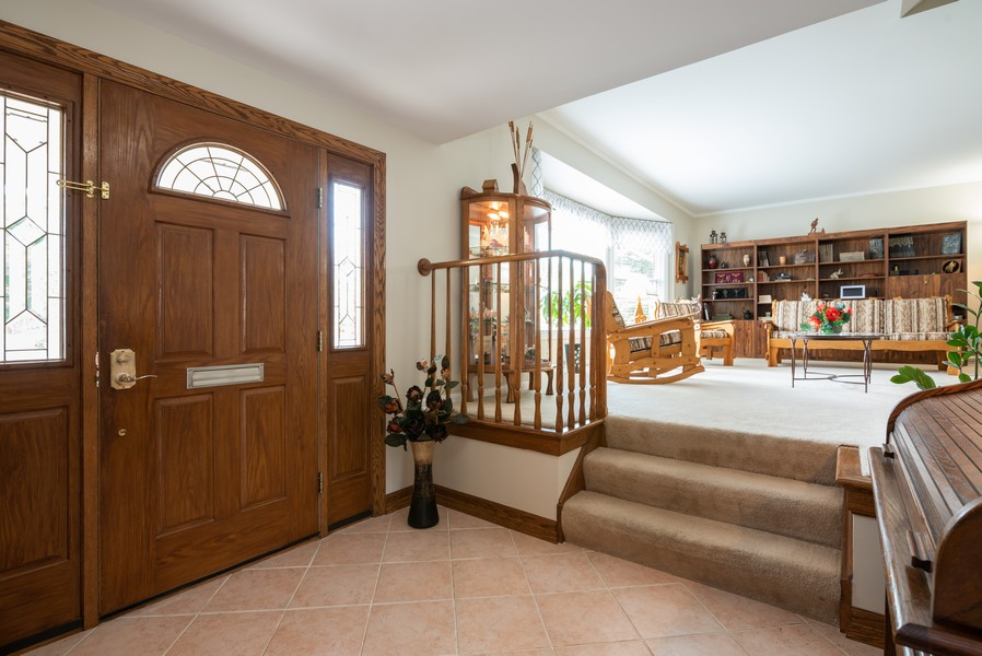 Real Estate Photography - 4065 Winston Dr, Hoffman Estates, IL, 60192 - Foyer