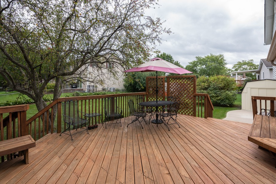Real Estate Photography - 4065 Winston Dr, Hoffman Estates, IL, 60192 - Deck