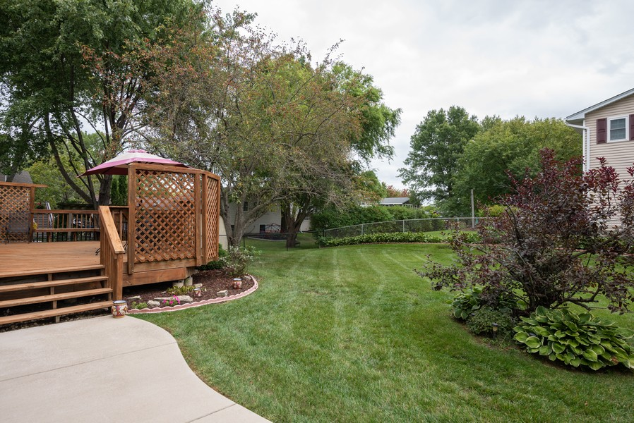 Real Estate Photography - 4065 Winston Dr, Hoffman Estates, IL, 60192 - Patio
