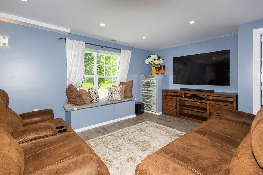 Real Estate Photography - 2947 Church Rd, Aurora, IL, 60502 - Basement