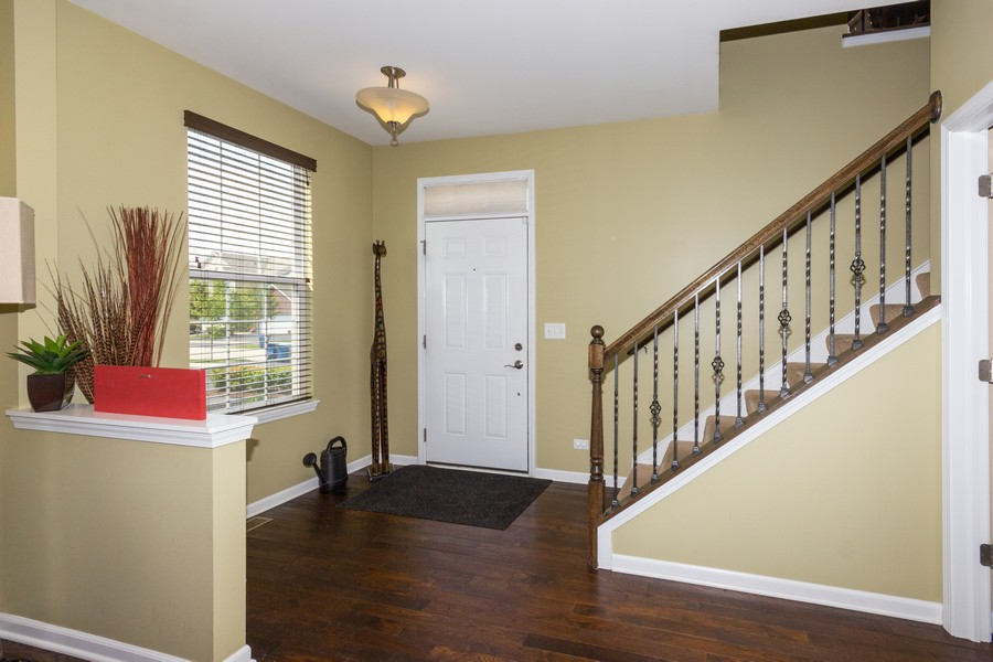 Real Estate Photography - 2947 Church Rd, Aurora, IL, 60502 - Foyer