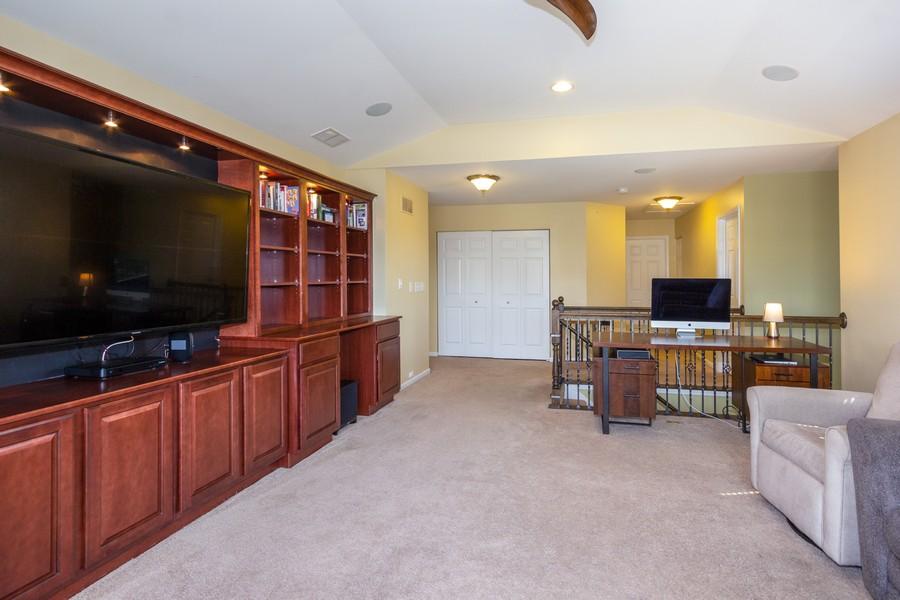 Real Estate Photography - 2947 Church Rd, Aurora, IL, 60502 - Loft