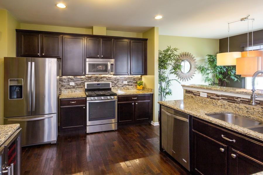 Real Estate Photography - 2947 Church Rd, Aurora, IL, 60502 - Kitchen