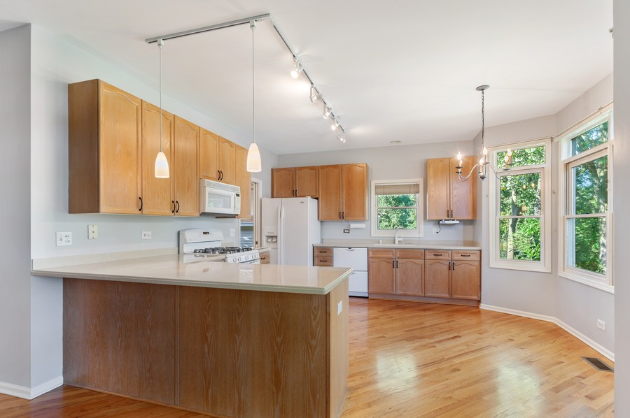 Real Estate Photography - 1228 Edgewater Ln, Antioch, IL, 60002 - Kitchen
