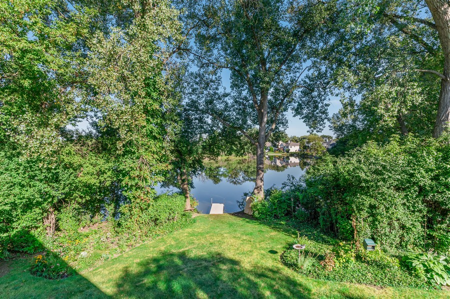 Real Estate Photography - 1228 Edgewater Ln, Antioch, IL, 60002 - Lake View