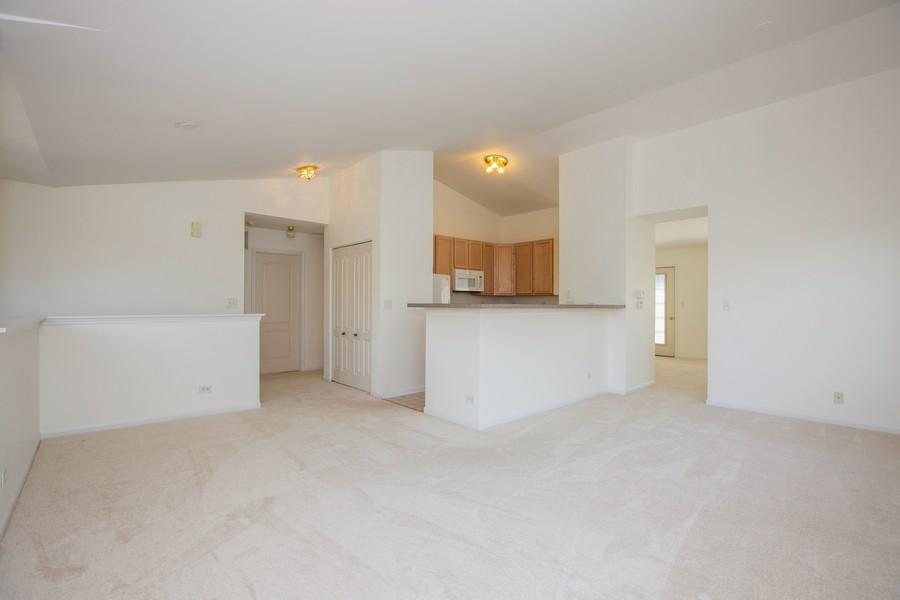 Real Estate Photography - 2570 Golf Ridge Cir, 2570, Naperville, IL, 60563 - Living Room