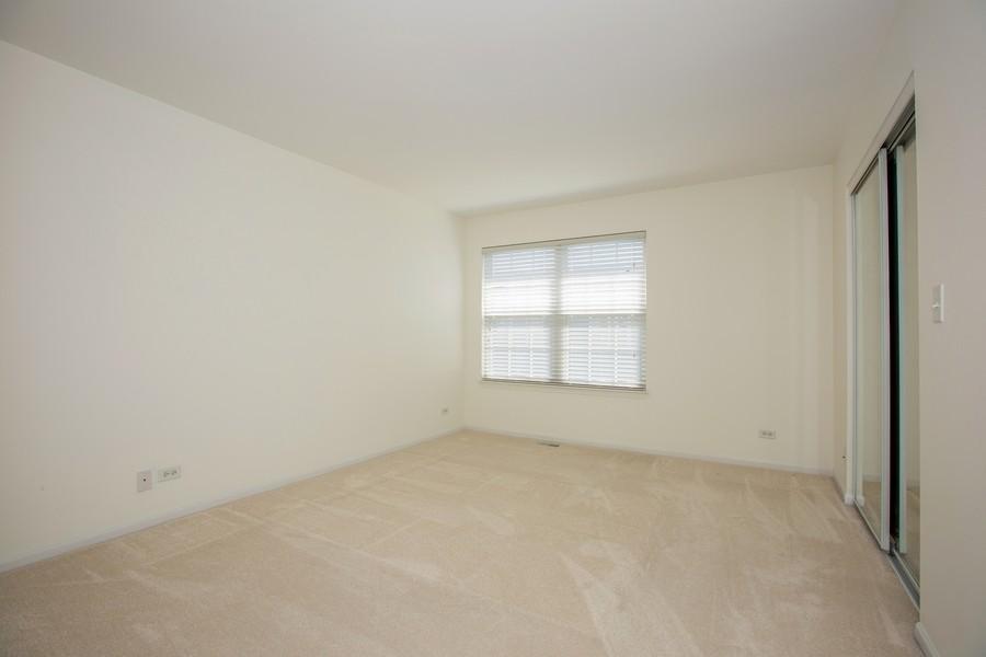 Real Estate Photography - 2570 Golf Ridge Cir, 2570, Naperville, IL, 60563 - Master Bedroom