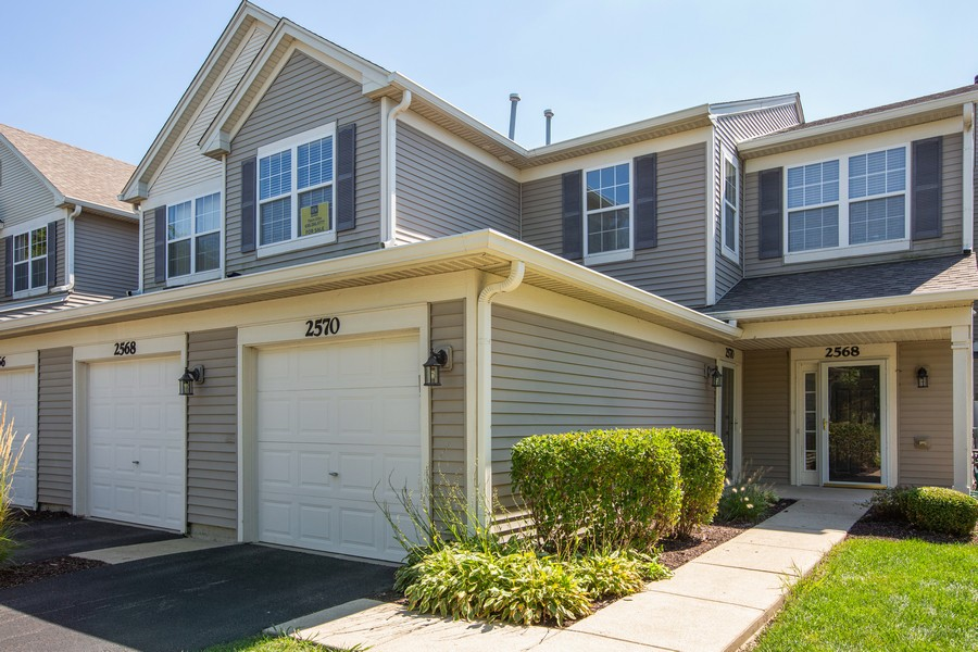 Real Estate Photography - 2570 Golf Ridge Cir, 2570, Naperville, IL, 60563 - Front View