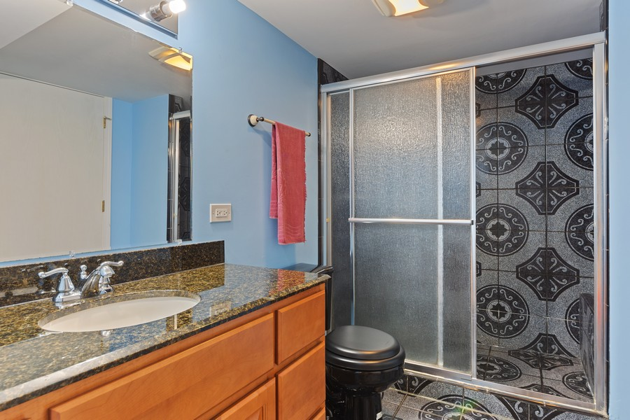 Real Estate Photography - 1710 North Woods Way, Vernon Hills, IL, 60061 - 3rd Bathroom