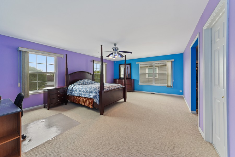 Real Estate Photography - 1710 North Woods Way, Vernon Hills, IL, 60061 - Guest Bedroom