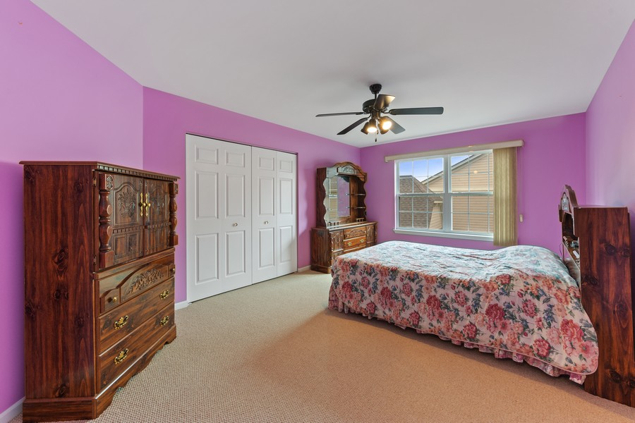 Real Estate Photography - 1710 North Woods Way, Vernon Hills, IL, 60061 - 2nd Bedroom