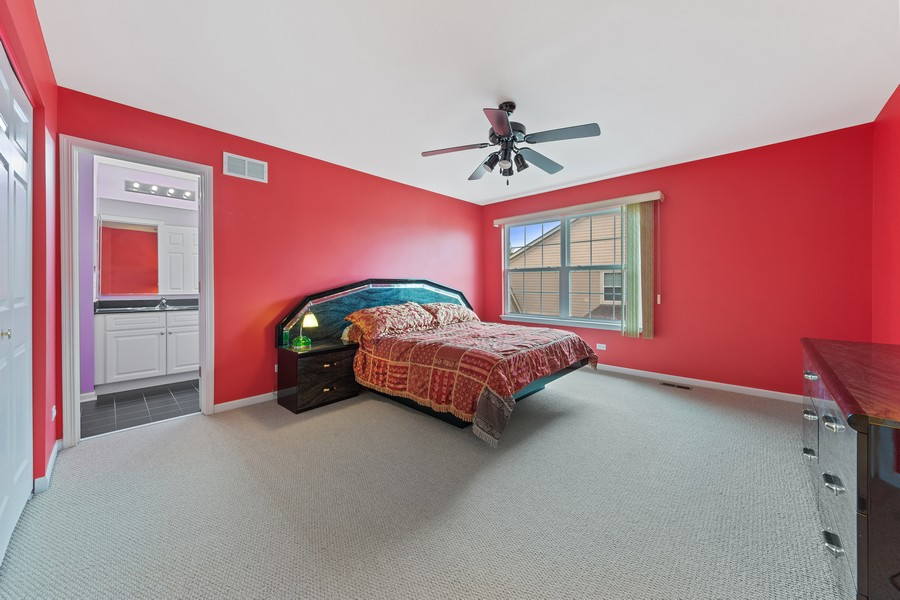 Real Estate Photography - 1710 North Woods Way, Vernon Hills, IL, 60061 - 3rd Bedroom