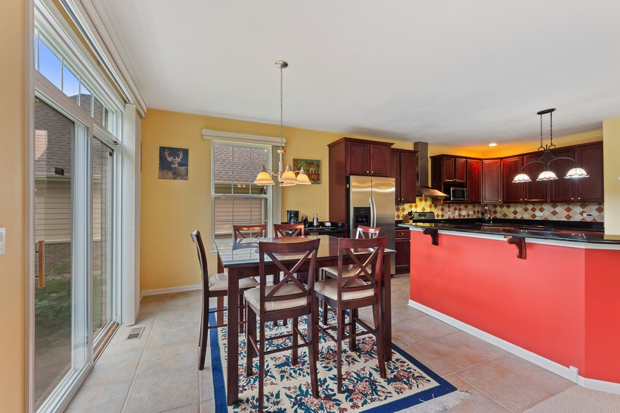 Real Estate Photography - 1710 North Woods Way, Vernon Hills, IL, 60061 - Kitchen / Breakfast Room