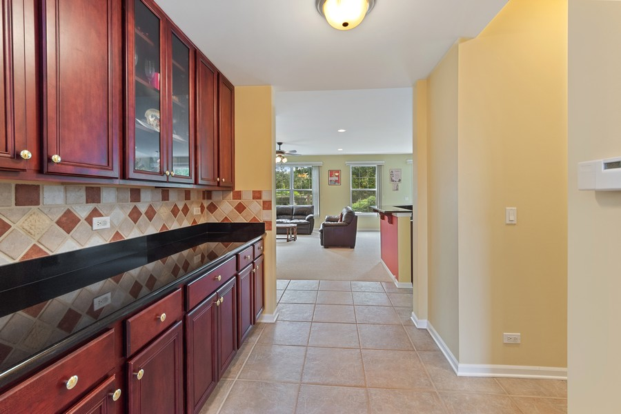 Real Estate Photography - 1710 North Woods Way, Vernon Hills, IL, 60061 - Butler's pantry