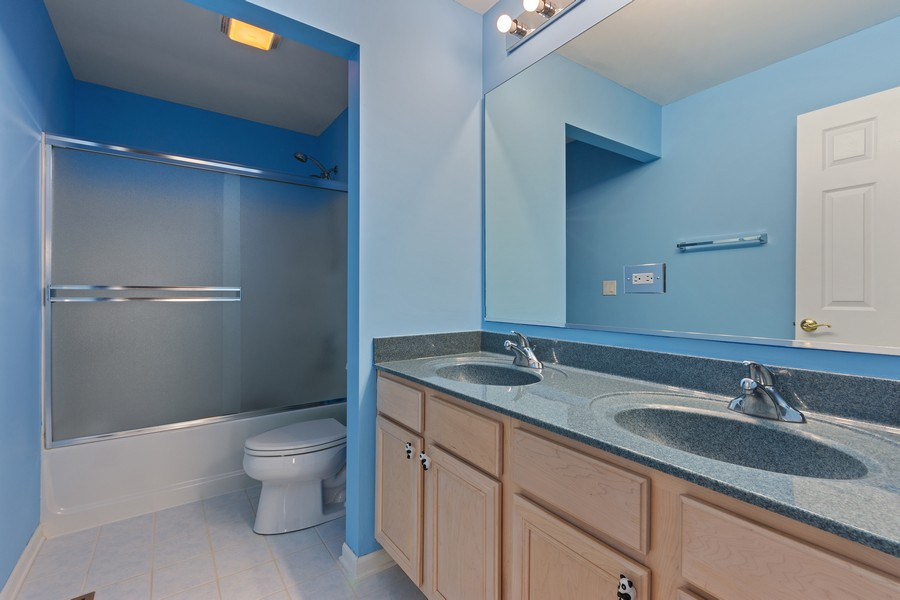 Real Estate Photography - 1710 North Woods Way, Vernon Hills, IL, 60061 -