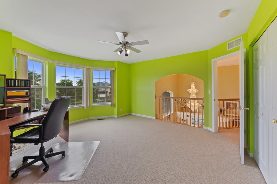 Real Estate Photography - 1710 North Woods Way, Vernon Hills, IL, 60061 - Loft