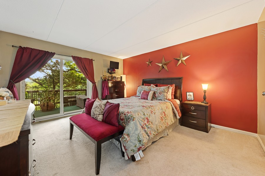 Real Estate Photography - 502 Redondo Dr, 106, Downers Grove, IL, 60516 - Master Bedroom