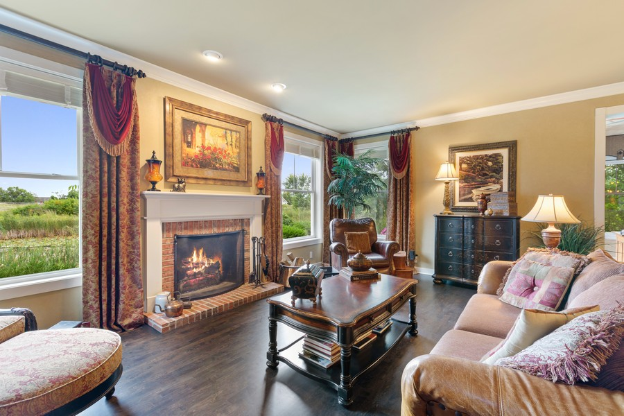 Real Estate Photography - 1347 Osage Orange Rd, Grayslake, IL, 60030 - Family Room