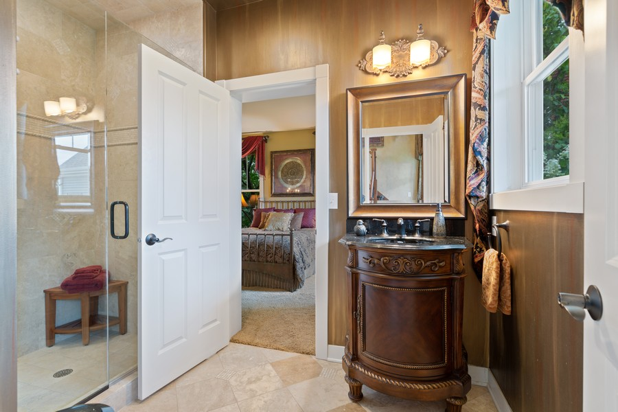 Real Estate Photography - 1347 Osage Orange Rd, Grayslake, IL, 60030 - 1st Floor Full Bathroom