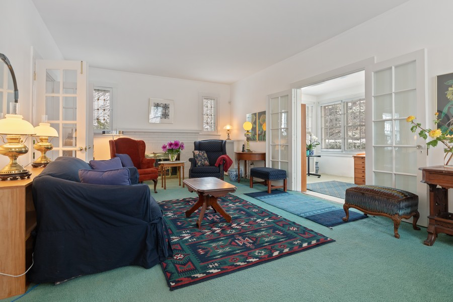 Real Estate Photography - 589 Lincoln Ave, Winnetka, IL, 60093 - Living Room
