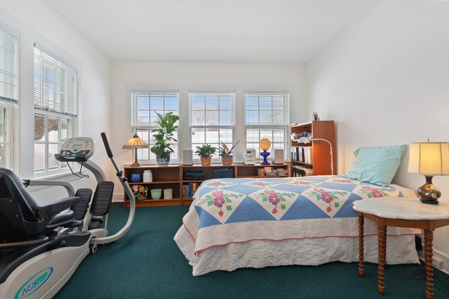Real Estate Photography - 589 Lincoln Ave, Winnetka, IL, 60093 - Master Bedroom