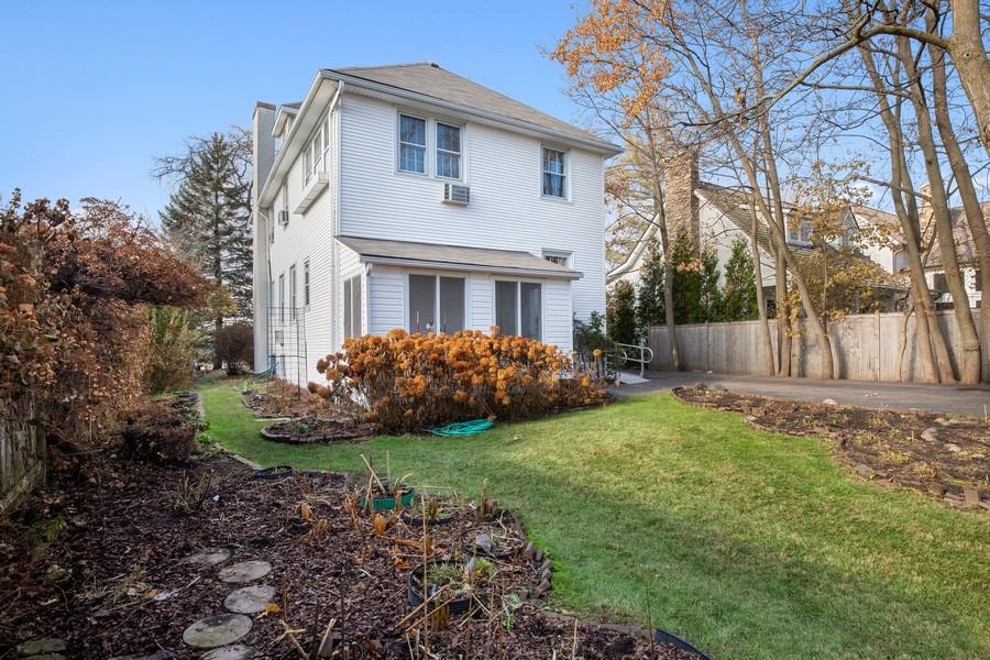 Real Estate Photography - 589 Lincoln Ave, Winnetka, IL, 60093 -