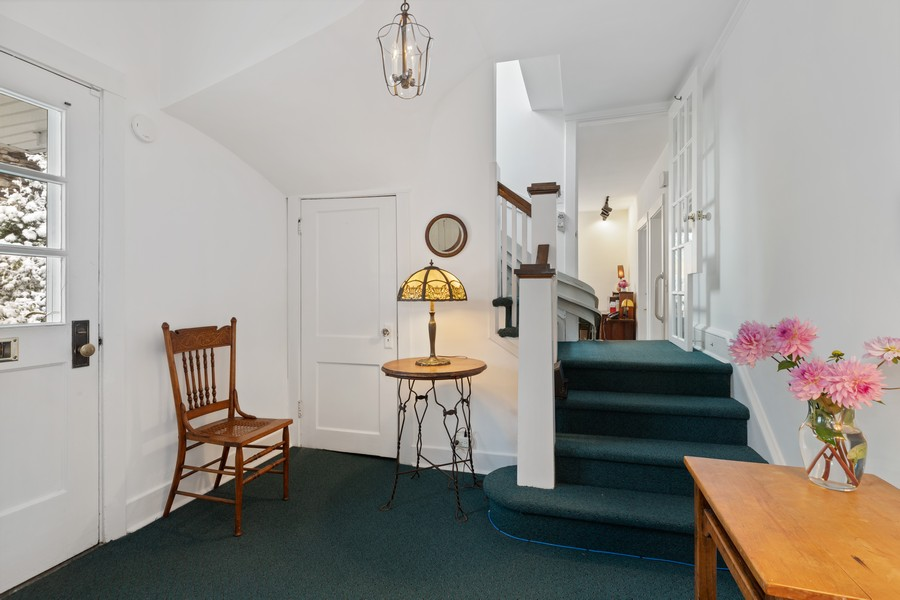 Real Estate Photography - 589 Lincoln Ave, Winnetka, IL, 60093 - Foyer