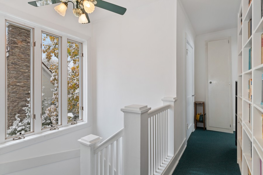 Real Estate Photography - 589 Lincoln Ave, Winnetka, IL, 60093 - Hallway