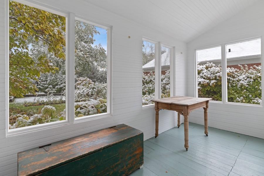Real Estate Photography - 589 Lincoln Ave, Winnetka, IL, 60093 - Porch