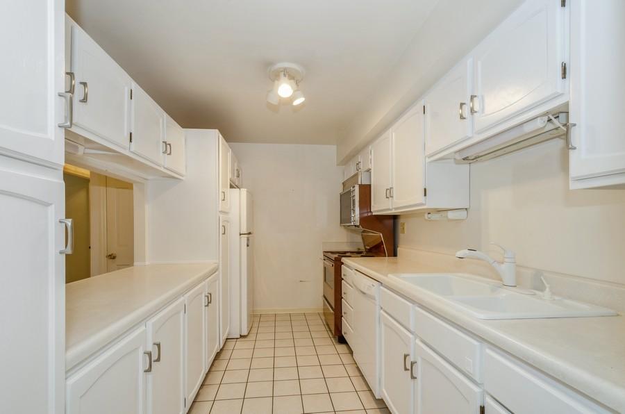 Real Estate Photography - 134 Green bay rd, Winnetka,, IL, 60093 - Kitchen