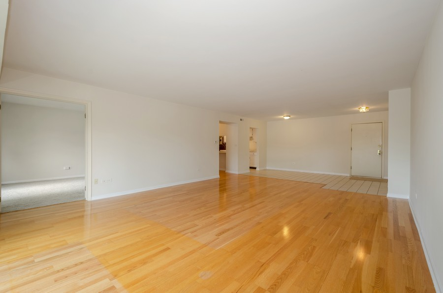 Real Estate Photography - 134 Green bay rd, Winnetka,, IL, 60093 - Living Room / Dining Room