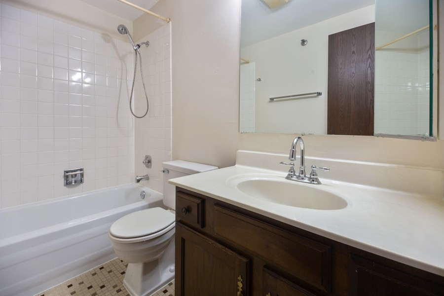Real Estate Photography - 4178 Cove Ln, Glenview, IL, 60025 - Master Bathroom