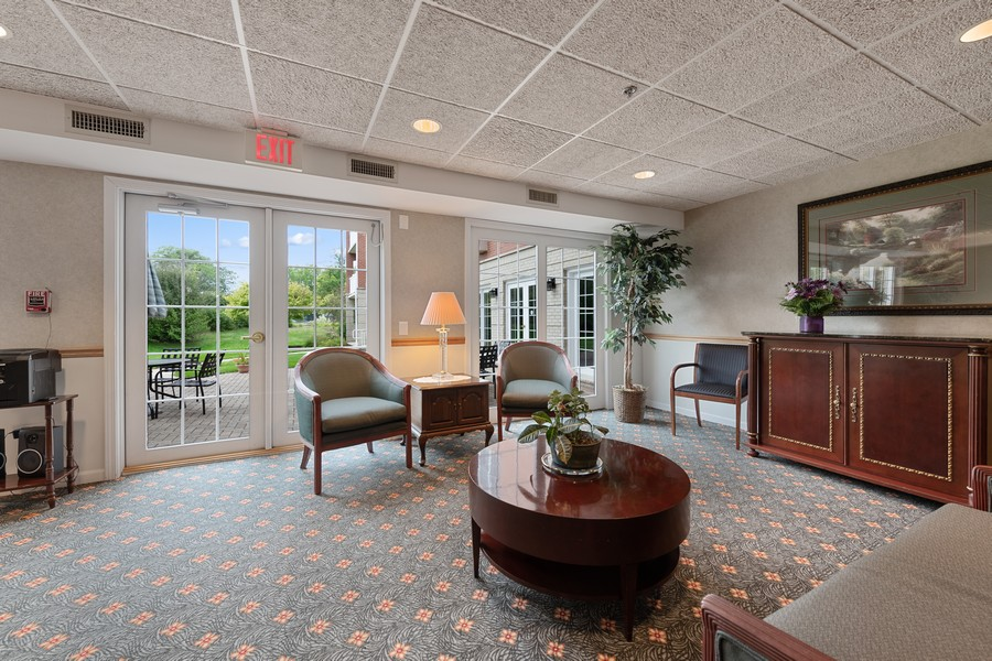 Real Estate Photography - 1220 Depot St, 416, Glenview, IL, 60025 - Lobby