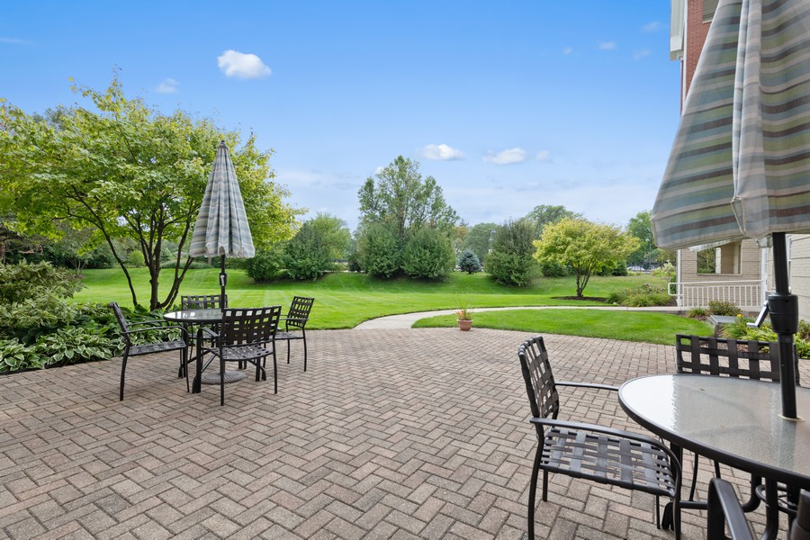 Real Estate Photography - 1220 Depot St, 416, Glenview, IL, 60025 - Patio