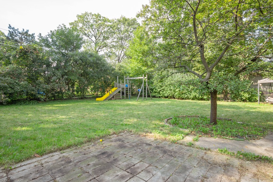 Real Estate Photography - 178 East Potter St, Wood Dale, IL, 60191 - Back Yard