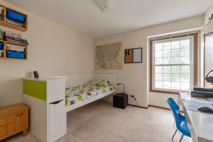 Real Estate Photography - 1347 Trinity Pl, Libertyville, IL, 60048 - 3rd Bedroom