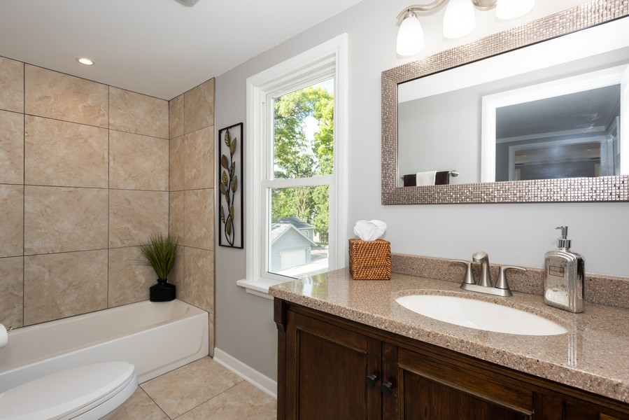 Real Estate Photography - 1233 Indian Ave, Aurora, IL, 60505 - Master Bathroom