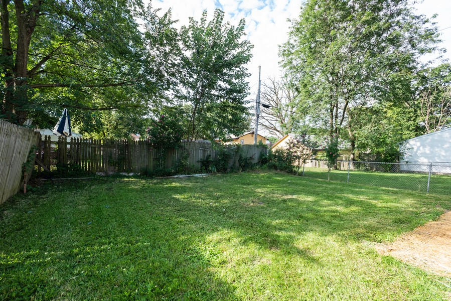 Real Estate Photography - 1233 Indian Ave, Aurora, IL, 60505 - Back Yard
